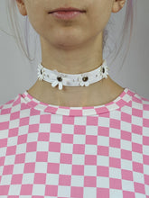 Load image into Gallery viewer, Daisy Chain Choker in White