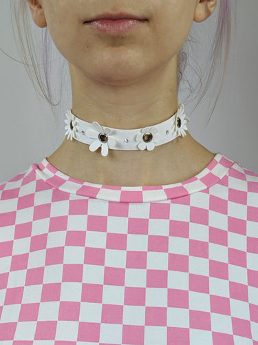 Daisy Chain Choker in White