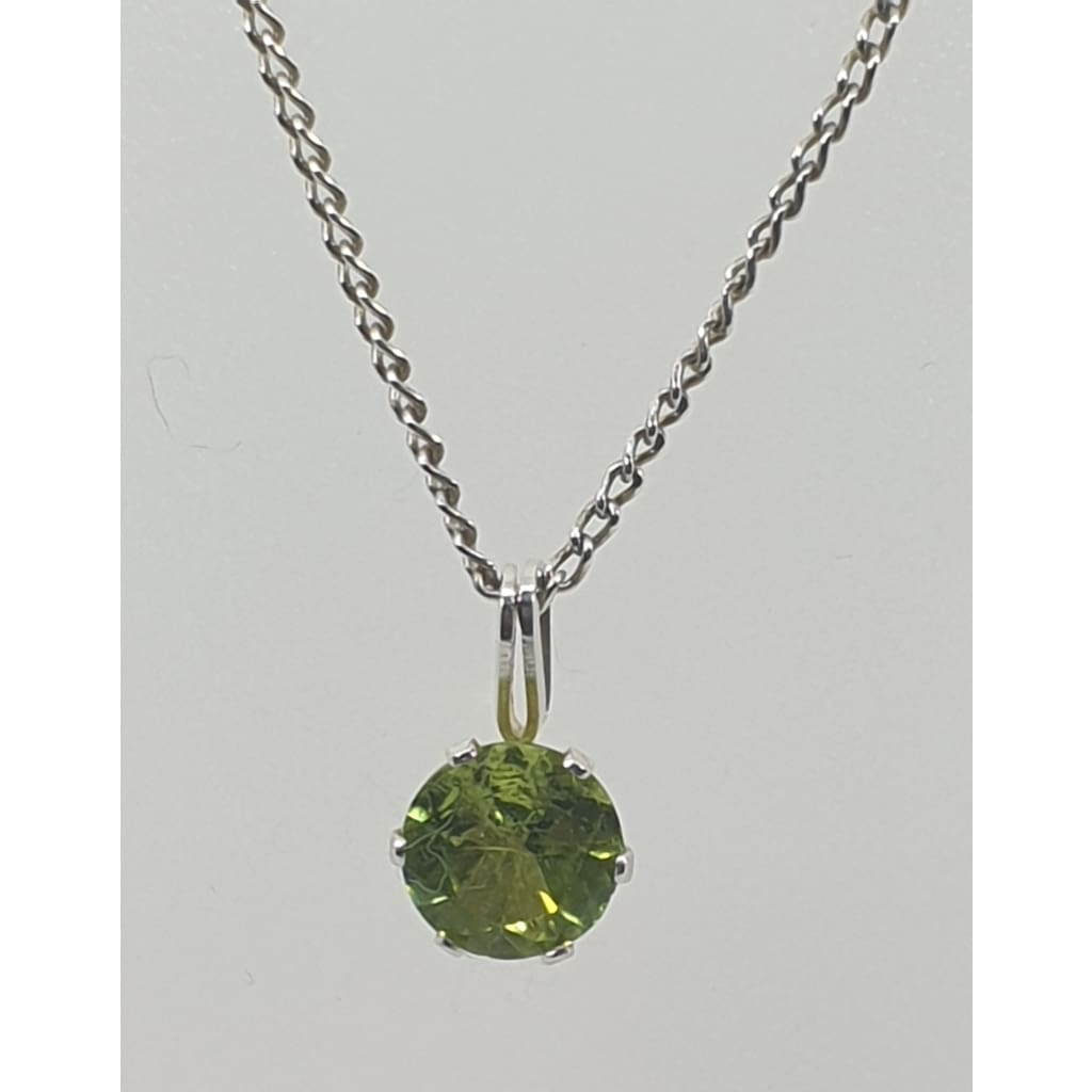 Sterling Silver Peridot pendant - Necklace