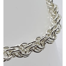 Load image into Gallery viewer, Sterling silver Sweetpea Chainmaille bracelet - Bracelets