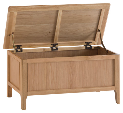 Northamptonshire Oak Blanket Box