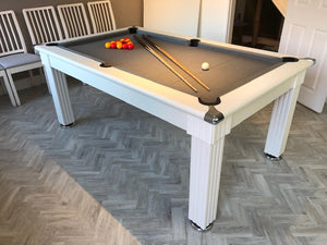 Supreme Traditional Meeting Pool Table