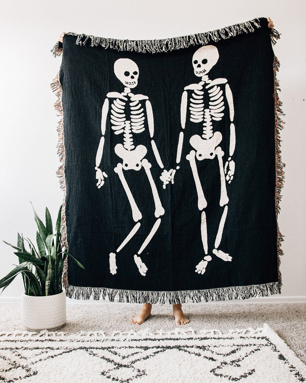 Skeleton Love Throw Blanket