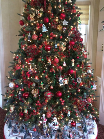 Decorated Christmas Tree With Christmas Ornaments