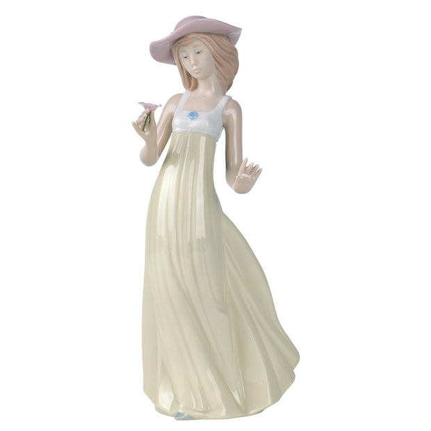 Nao by Lladro Gentle Breeze Figurine