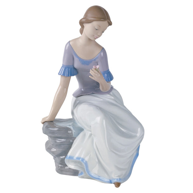 Nao by Lladro Spring Reflections Figurine