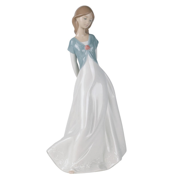 Nao by Lladro Truly In Love Figurine