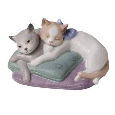 Nao by Lladro Snuggle Cats Figurine