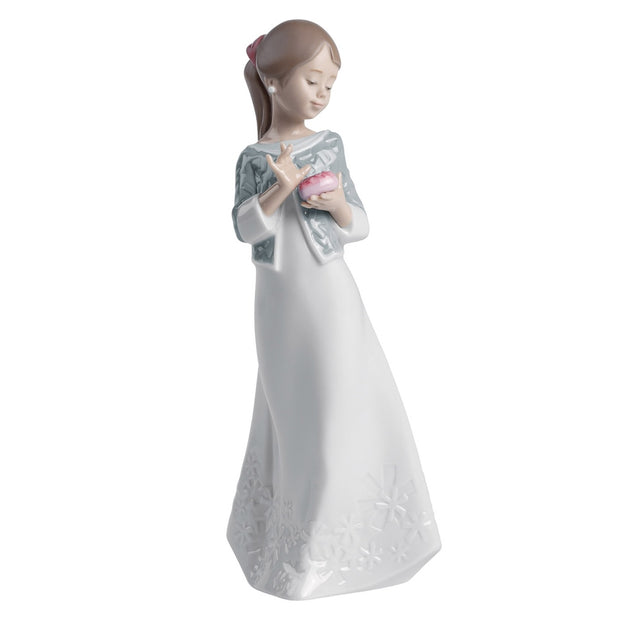 Nao by Lladro A Gift From The Heart Figurine
