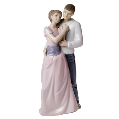 Nao by Lladro Dreams Of Love Figurine