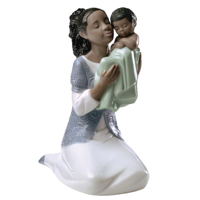 Nao by Lladro In Loving Arms Figurine (Treasured Memories)