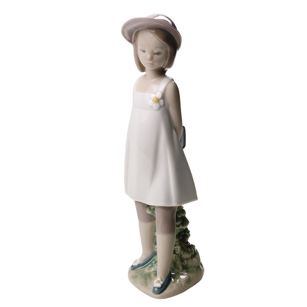 Nao by Lladro My Favorite Book Figurine