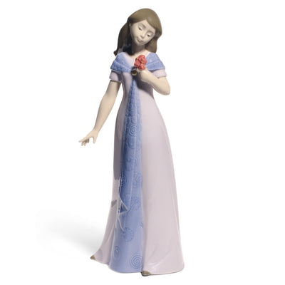 Nao by Lladro Elegant Pose Figurine (Special Edition)