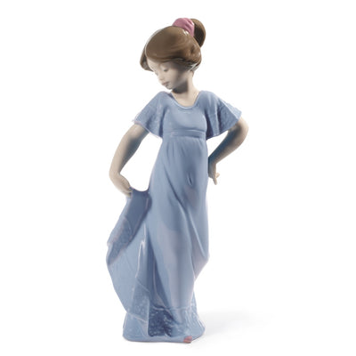 Nao by Lladro How Pretty! Figurine (Special Edition)