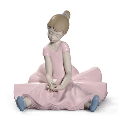 Nao by Lladro Dreamy Ballet Figurine (Special Edition)