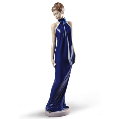 Nao by Lladro Elegance Figurine (Special Edition)