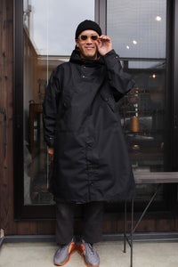 BLACK SIGN SLICKER COAT