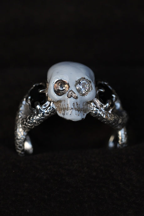 BLACK SIGN 17TH DEATH`S HEAD RING
