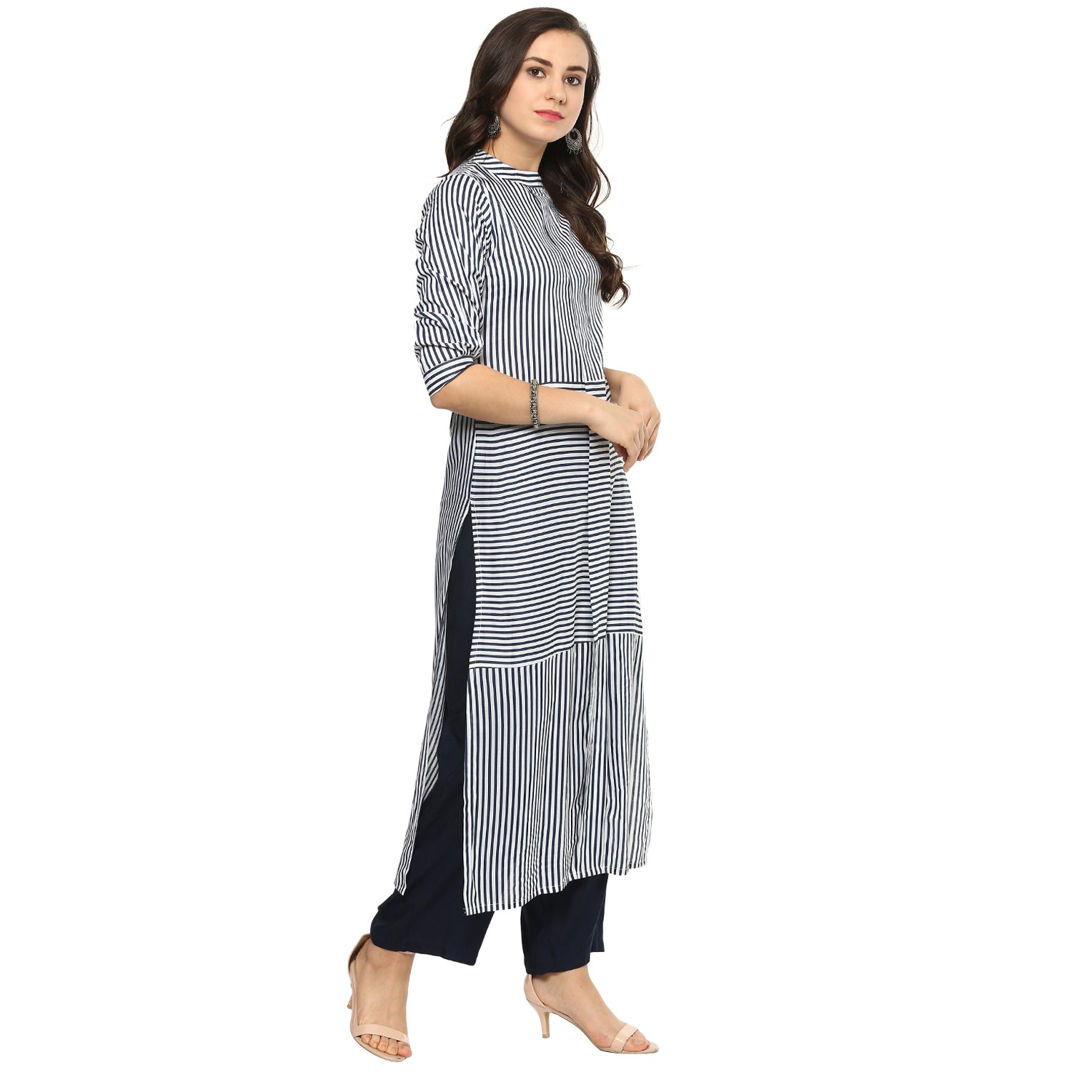 Idalia Women Blue and White Striped Kurta