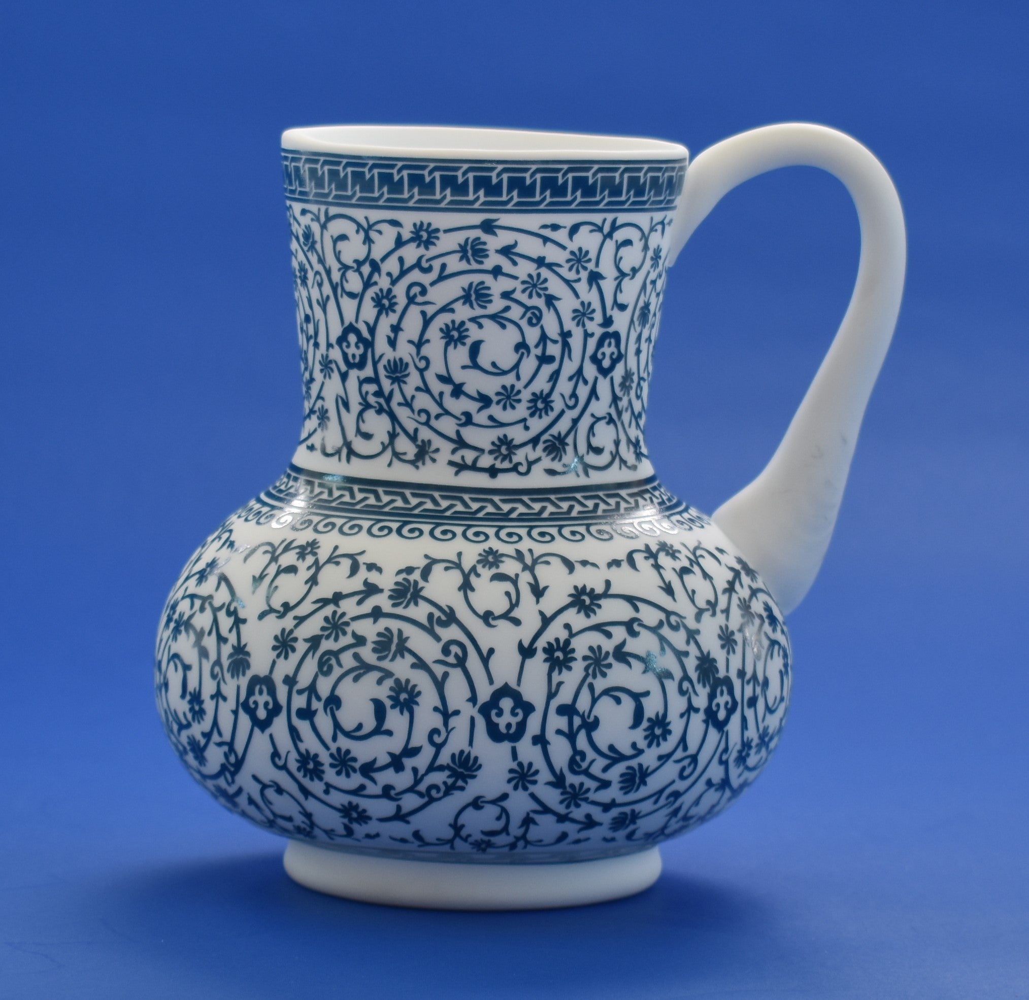 Decorative Vessel with Handle (Halic Isi Dipper)