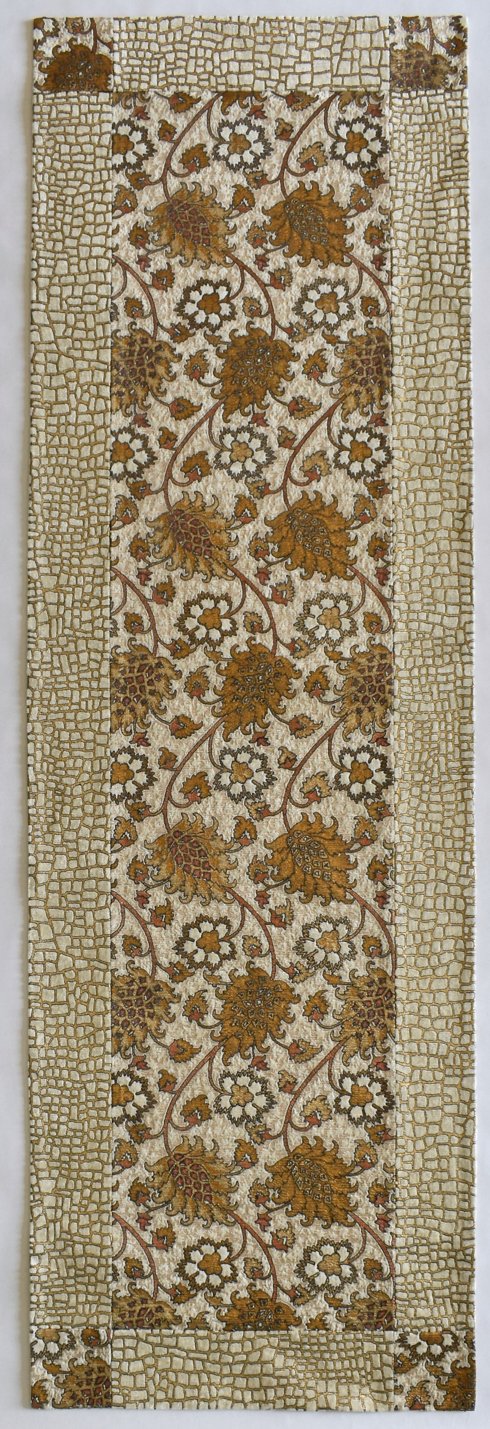 White & Gold Floral Design - Wall Hanging from Venetia Studium - Exquisiti