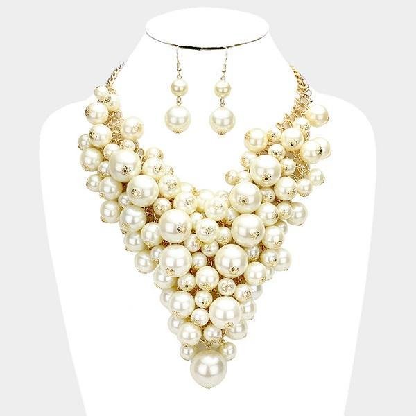 Creme Clustered Pearl Necklace set with matching earrings