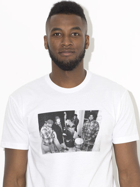 "The Roots ""Pass The Popcorn"" Mpozi Photo T-Shirt [L-2XL]"