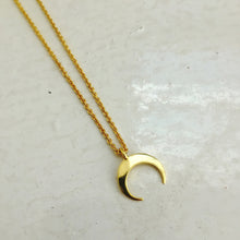 Load image into Gallery viewer, Crescent Moon Necklace
