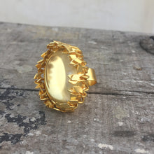Load image into Gallery viewer, Statement Crystal Ring
