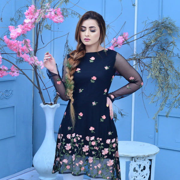 BLACK EMBROIDERED DRESS (SSP2102DR05)