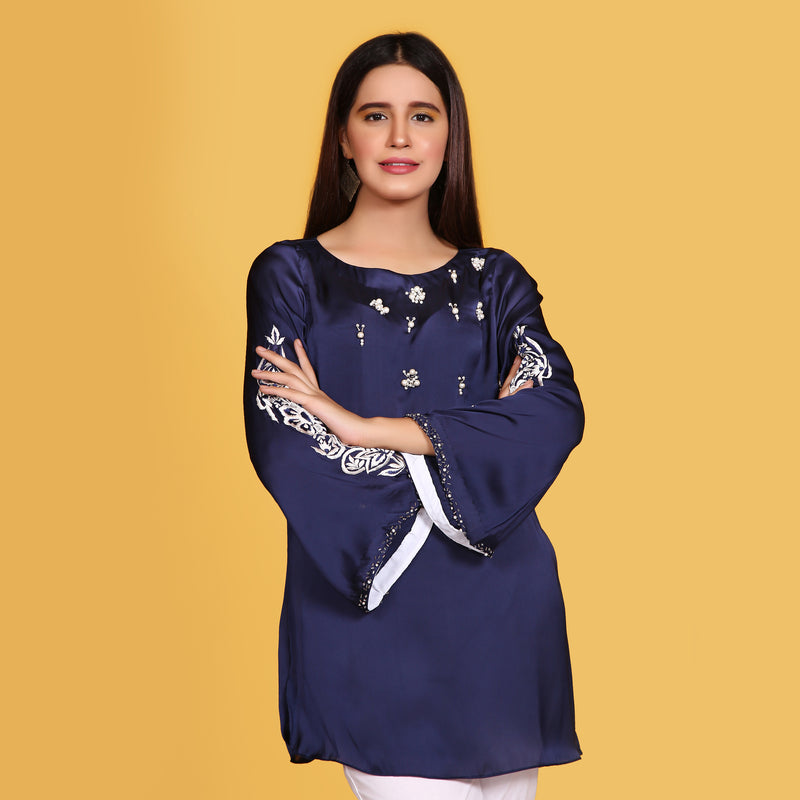 NAVY EMBROIDERED TOP