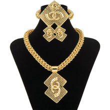 Load image into Gallery viewer, Wholesale Luxury Nigerian Women Wedding Jewelry Sets Big Chunky Necklace Earrings Bridal Dubai Gold African Beads Jewelry Set