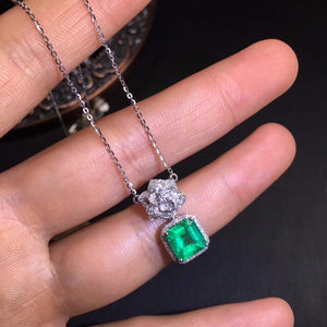 AIGS Fine Jewelry Certificate Real 18K White Gold AU750 Natural Green Emerald 1.67ct Gemstones Pendants for Women Fine Necklace