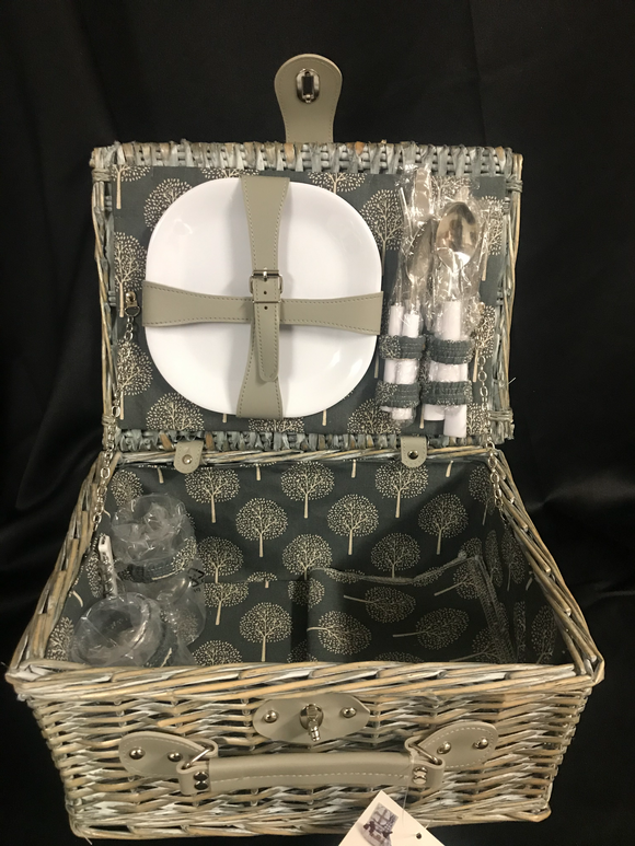 Oak & Olive 2 Person Picnic Basket