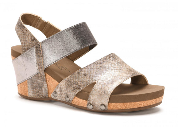 Fig Wedge Sandal in Taupe