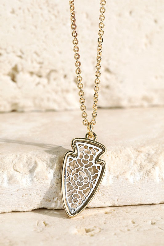 Short Arrowhead Pendant Necklace