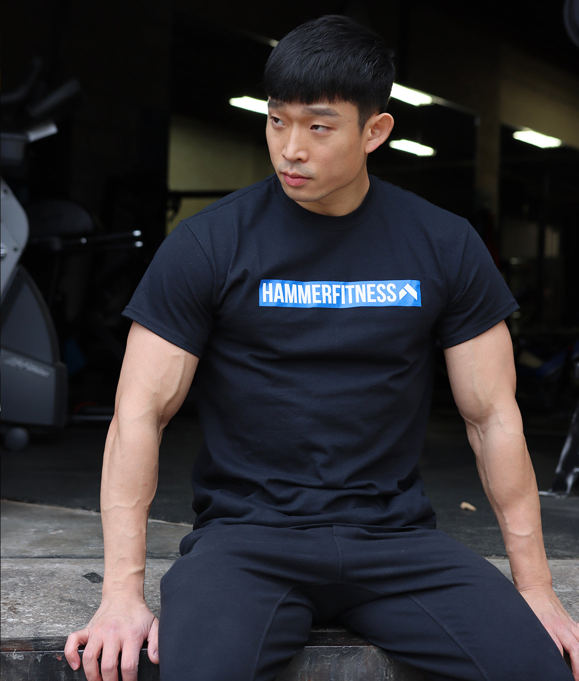 Box Logo Hammer Fitness T Shirt [black/blue]