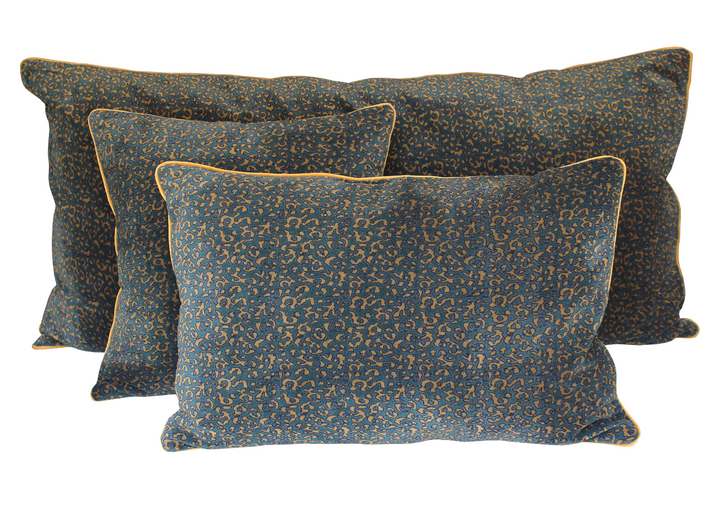 2 colours - Harmony - Giant Isis velvet cushion cover - 55x110 cm rectangular
