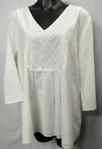 White top with Stitched Pattern
