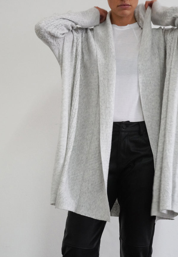 PASSION CABLE CARDIGAN GREY