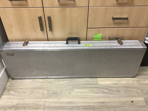 0521020 USED ALUMINUM DOUBLE GUN CASE