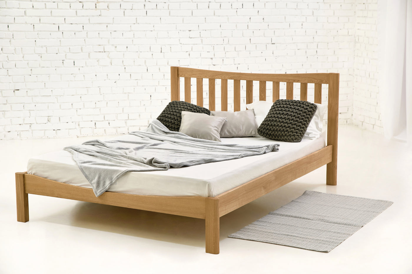 brand new 98dc5 2cb30 Milano Solid Oak Bed 5ft - King Size