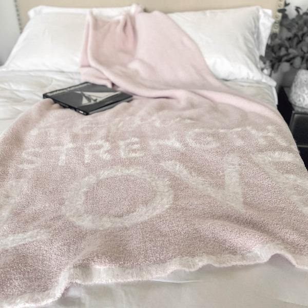 Pink Throw Blanket - DREAM 3