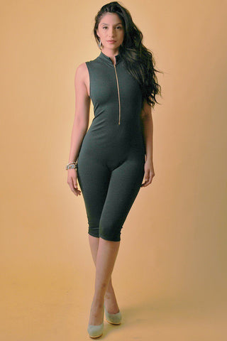 Solid, Stretched, Sleeveless Bodycon Capri Jumpsuit With Front Zipper And Mandarin Collar - dress4less.com