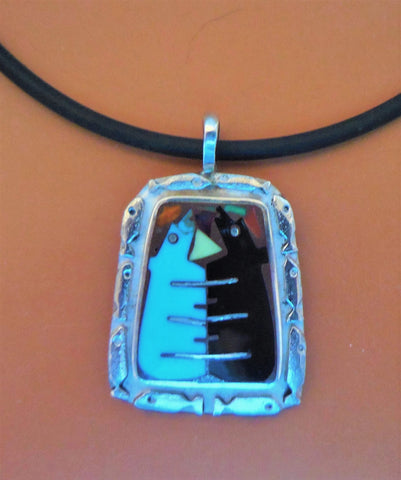 STERLING FISH BORDER PENDANT