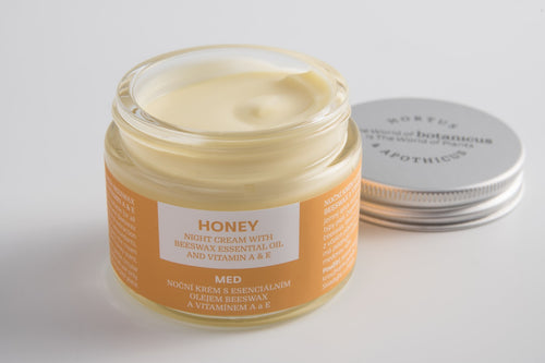Night Cream with Beeswax Essential Oil and Vitamin A & E