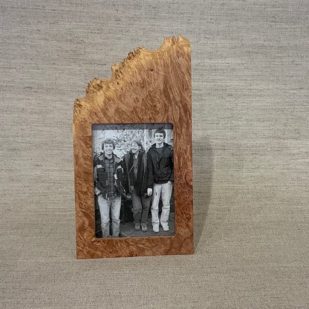 "Maple Burl Vertical Frame - 3x5"" opening/1 side burl"