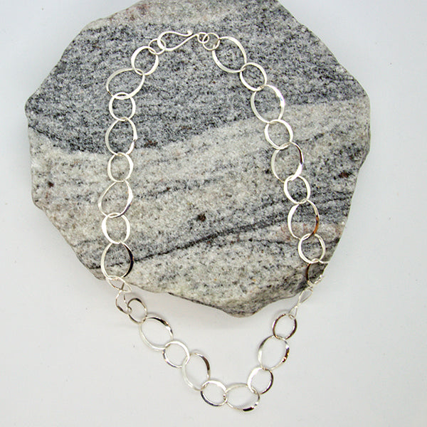 "18"" Oval Ring Necklace"