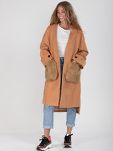 Load image into Gallery viewer, Faux Fur Pocket Padded Inner Coat