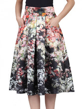 Load image into Gallery viewer, Jolie Moi Floral Print Skirt, Black
